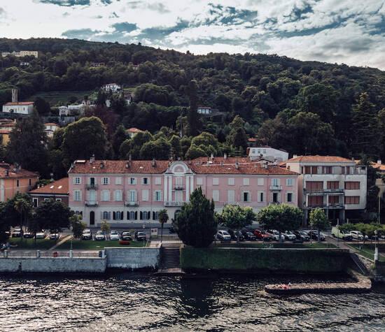 Villa Piceni ..... in riva al lago