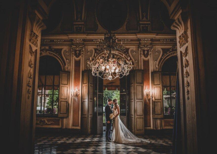 Uno scatto di coppia del giorno delle nozze da incorniciare e mettere in ingresso!