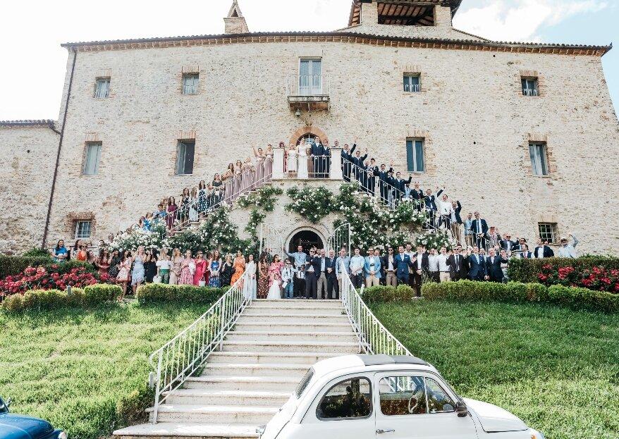 Laura e Cian, uno scambio di promesse irlandese nella romantica campagna umbra, con il prezioso sostegno dello staff del relais Castello di Montignano