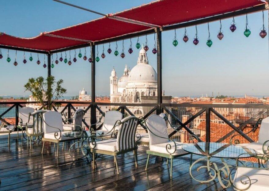 Hotel Bauer Palazzo, la scenografia da favola che avete sempre sognato, per dirvi di Sì tra i canali veneziani...